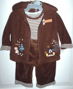NWT-Disney-Mickey-3-pc-jogging-outfit-boys-3-6-months-winter-Christmas