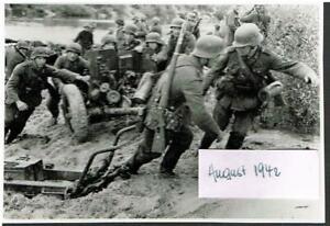 WW-2-Russland-Feldzug-16-08-42-Gretnja-Ubergang-ueber-Shisdra-Panzer-Prop-K-693
