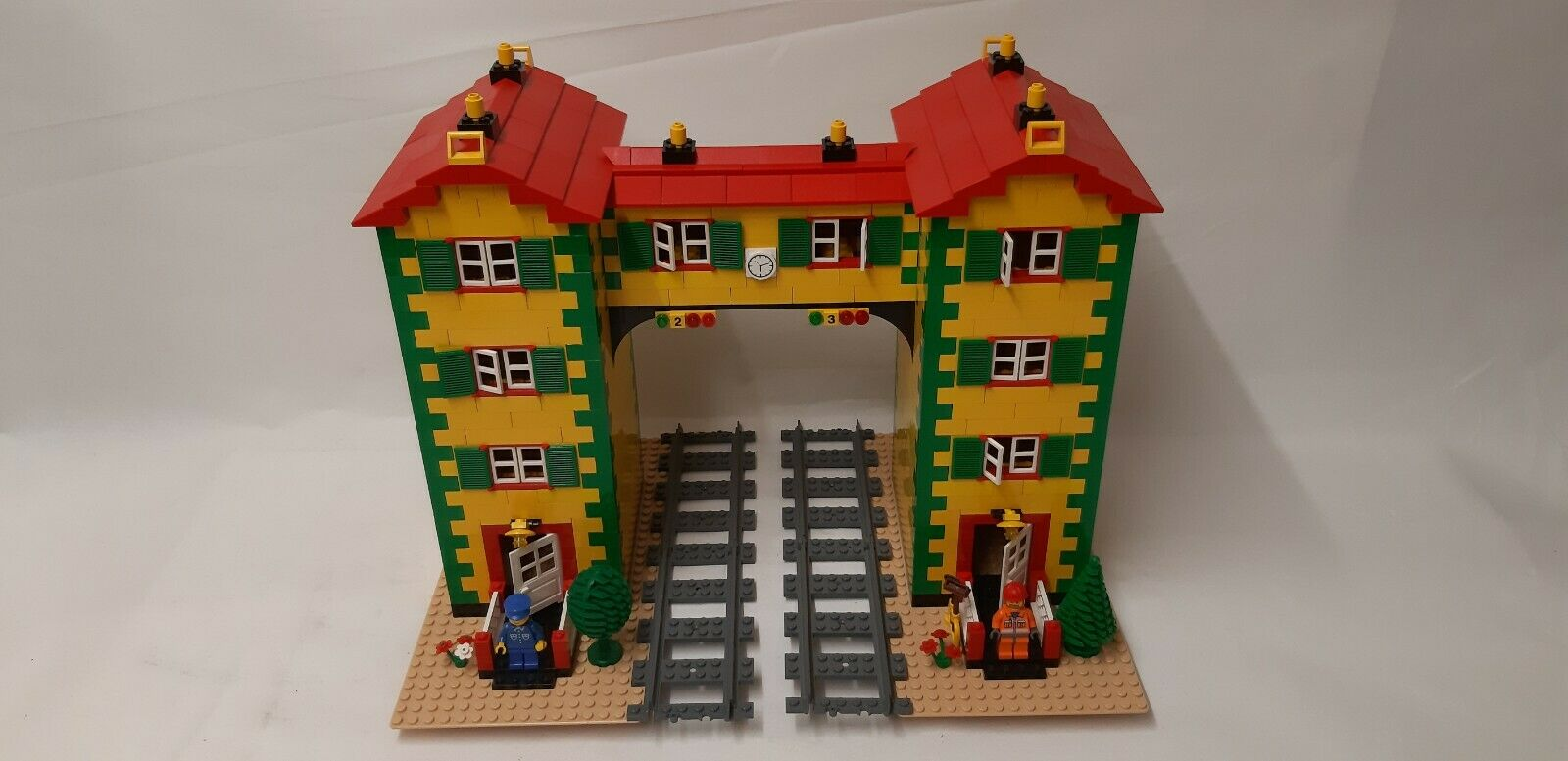 LEGO® CUSTOM TRAIN SIGNAL BOX HOUSE Nr. 3 - FOR 9 V TRAIN OR RC TRAIN -