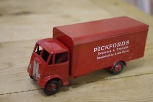 Vintage-Dinky-Guy-Pickfords-Removals-Lorry-Red-No-918