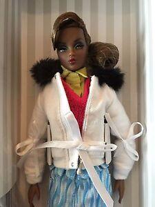 Poupée Dynamite Girls London Calling    Nrfb Doll Integrity T.  tj