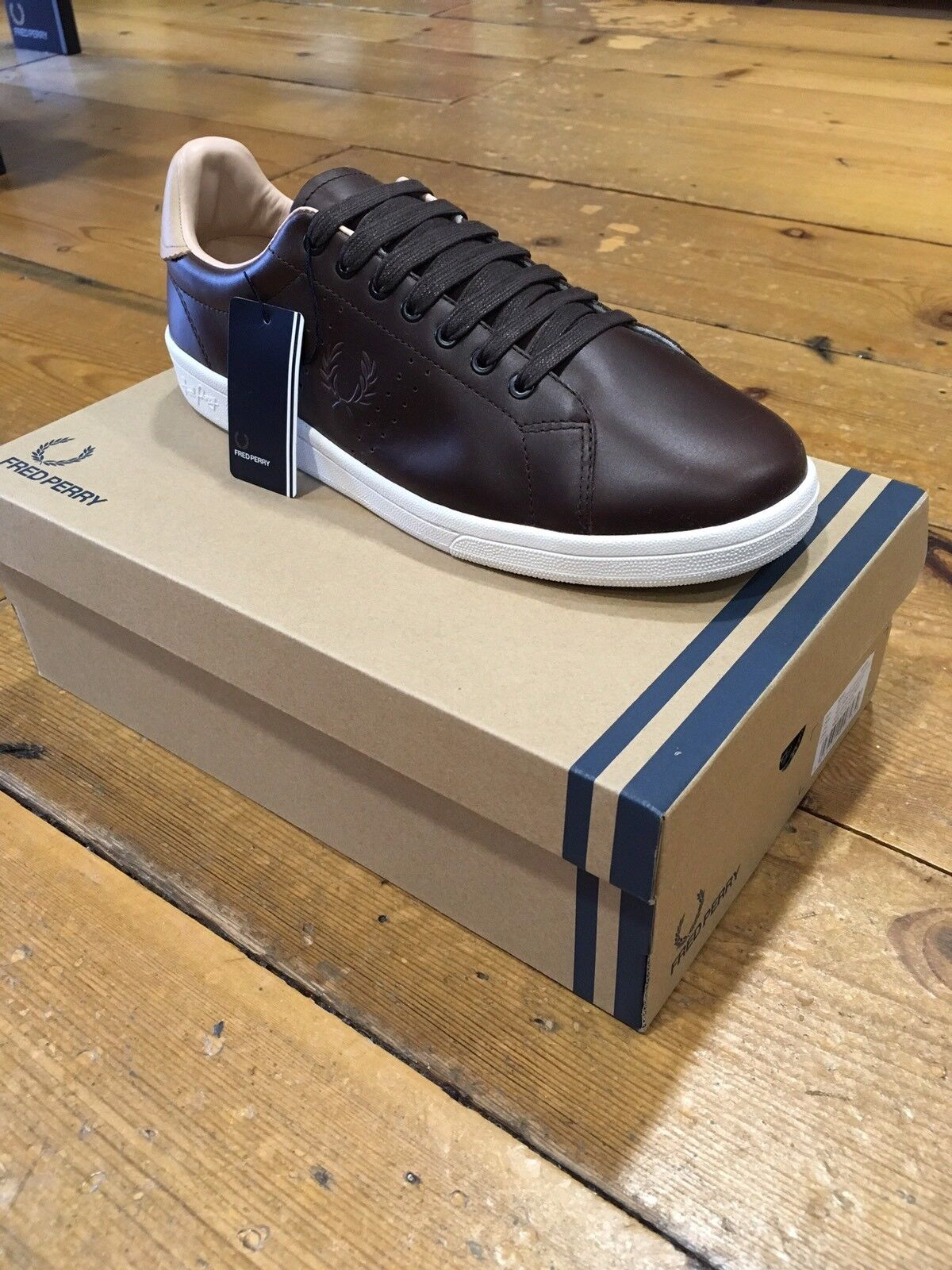 Fred Perry Vintage Tennis Leather Dark Chocolate B3041 - Uk11 EU 46