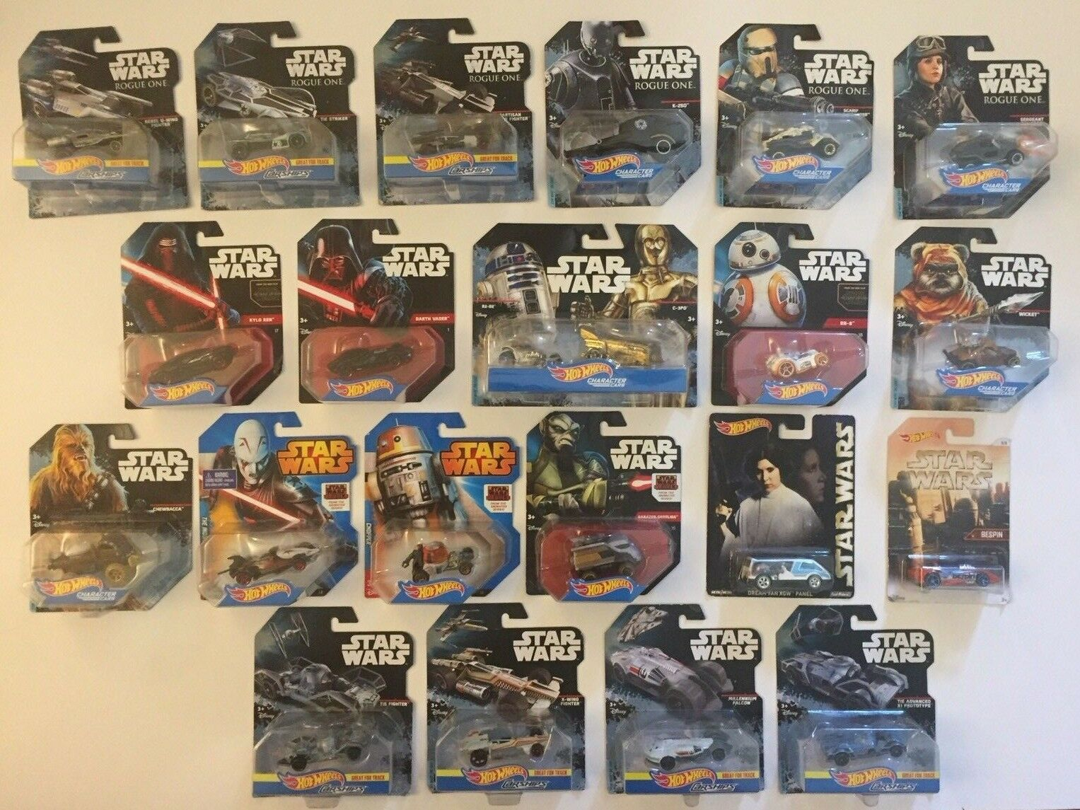 Hot Wheels Star Wars Lot of 22 Vehicles Carship Characters R2D2 Vader Chewy Plus