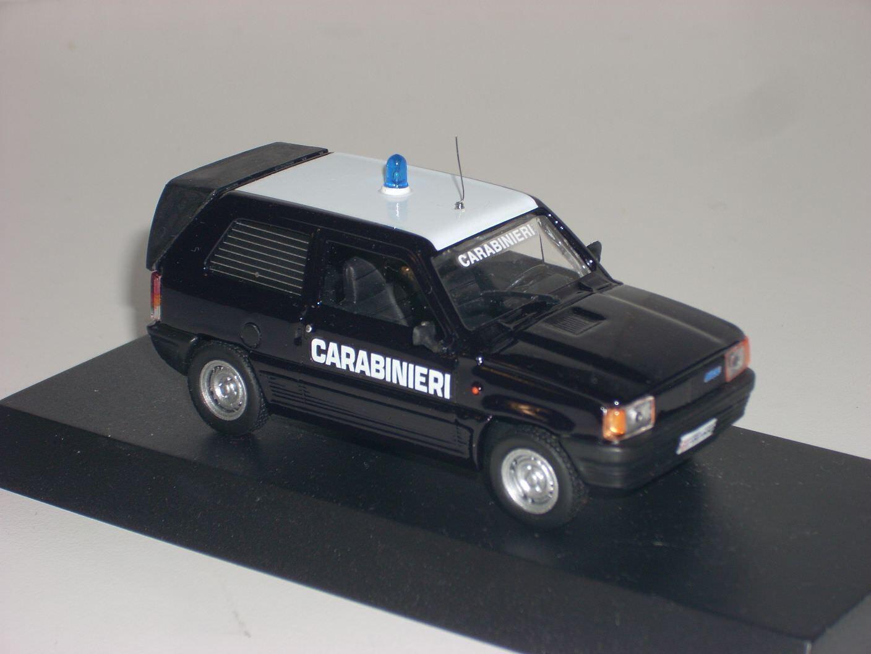 CARABINIERI POLICE Fiat Panda van scala 1 43