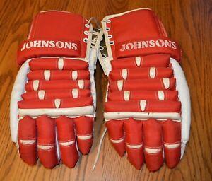 Vintage-Johnsons-Hockey-Gloves-Red-amp-White-Nice