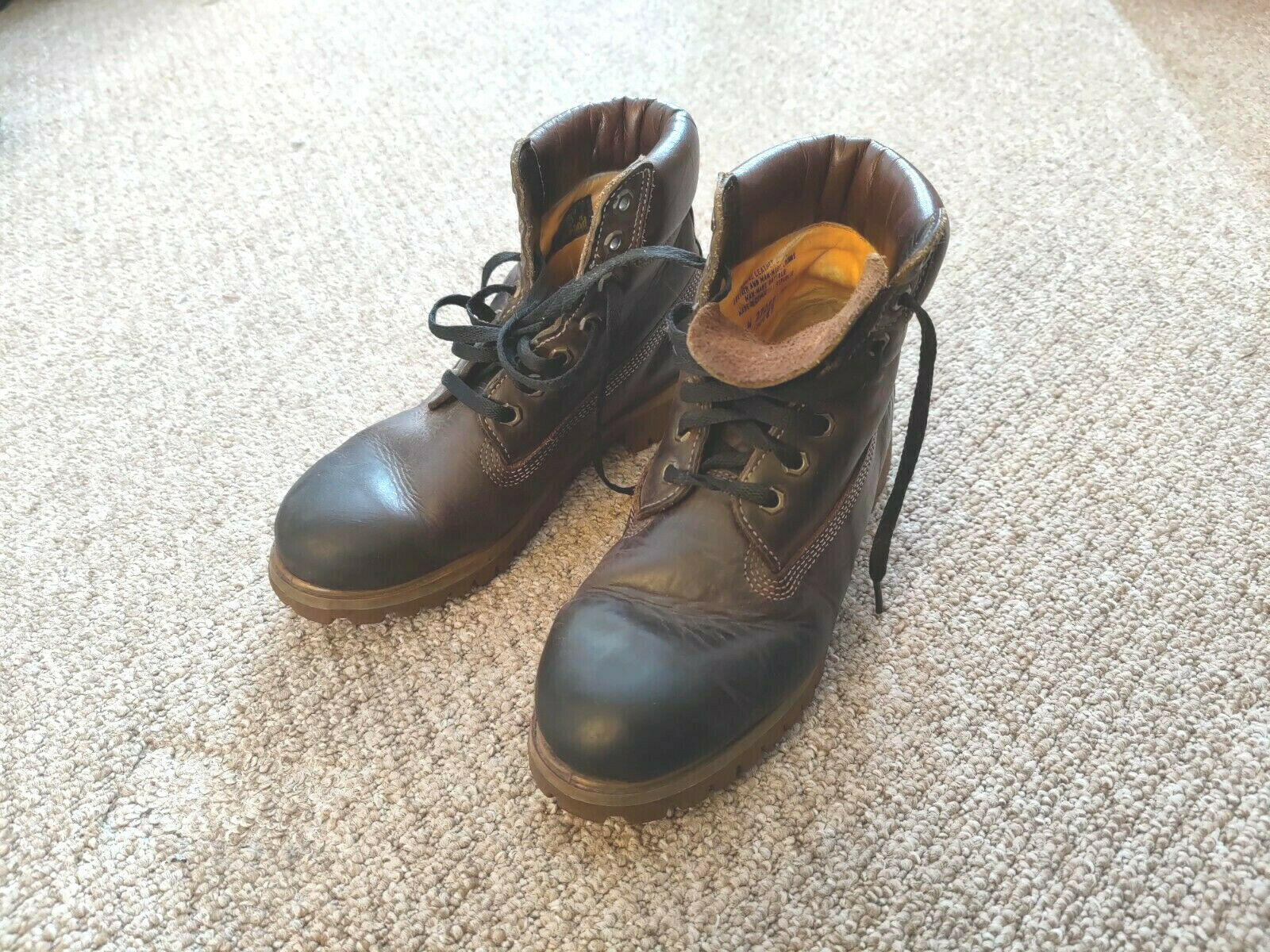 Timberland Mens / Womans Boots Dark Brown Smell Like leather Hardly Worn Size 7