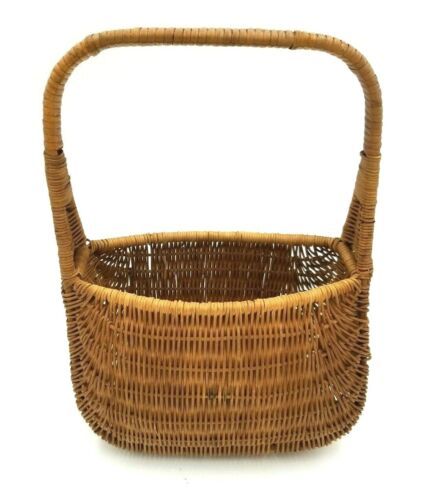 Pair of Lovely vintage gold metal nesting baskets