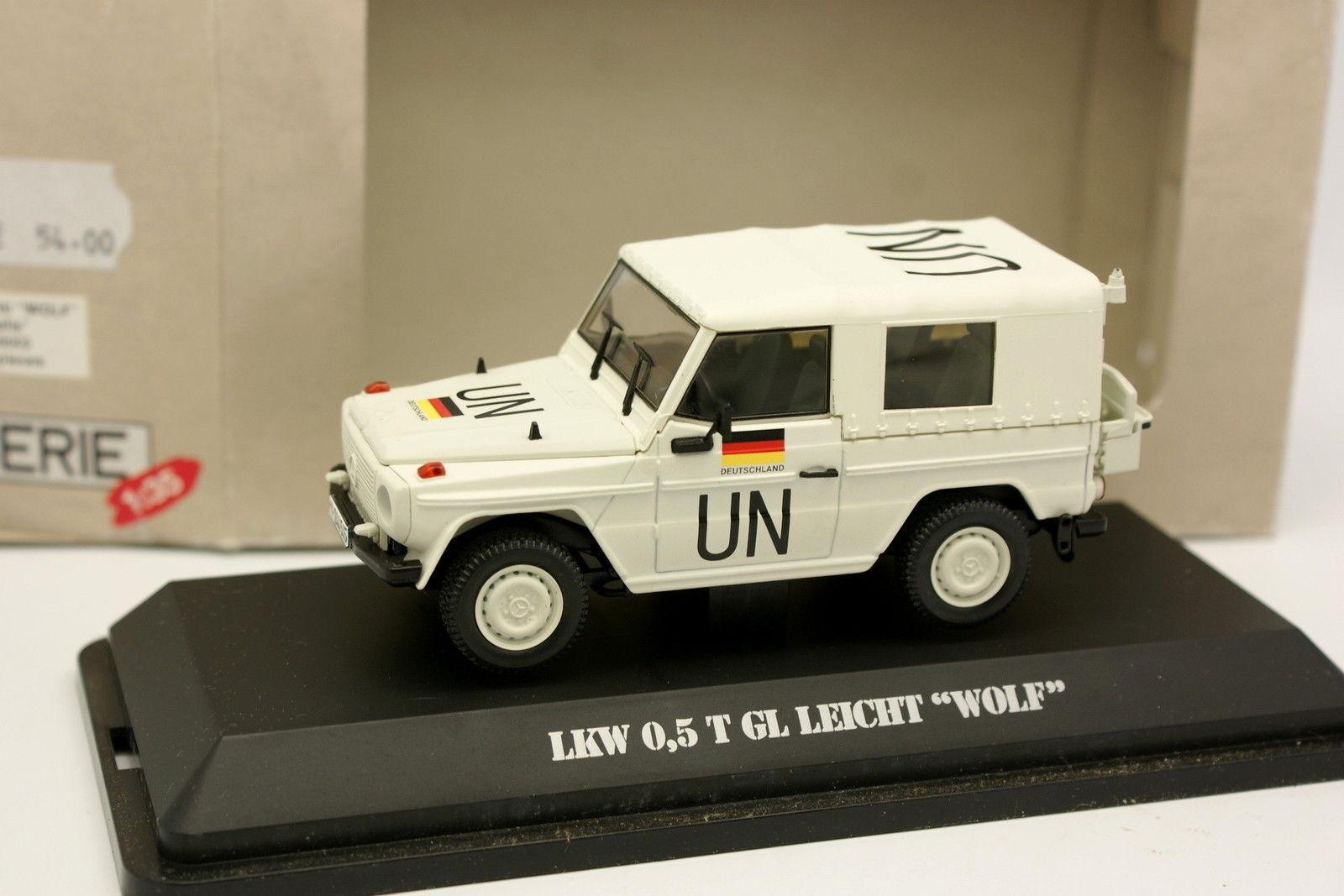 Revell 1 35 - Mercedes Classe G Militaire UN Wolf