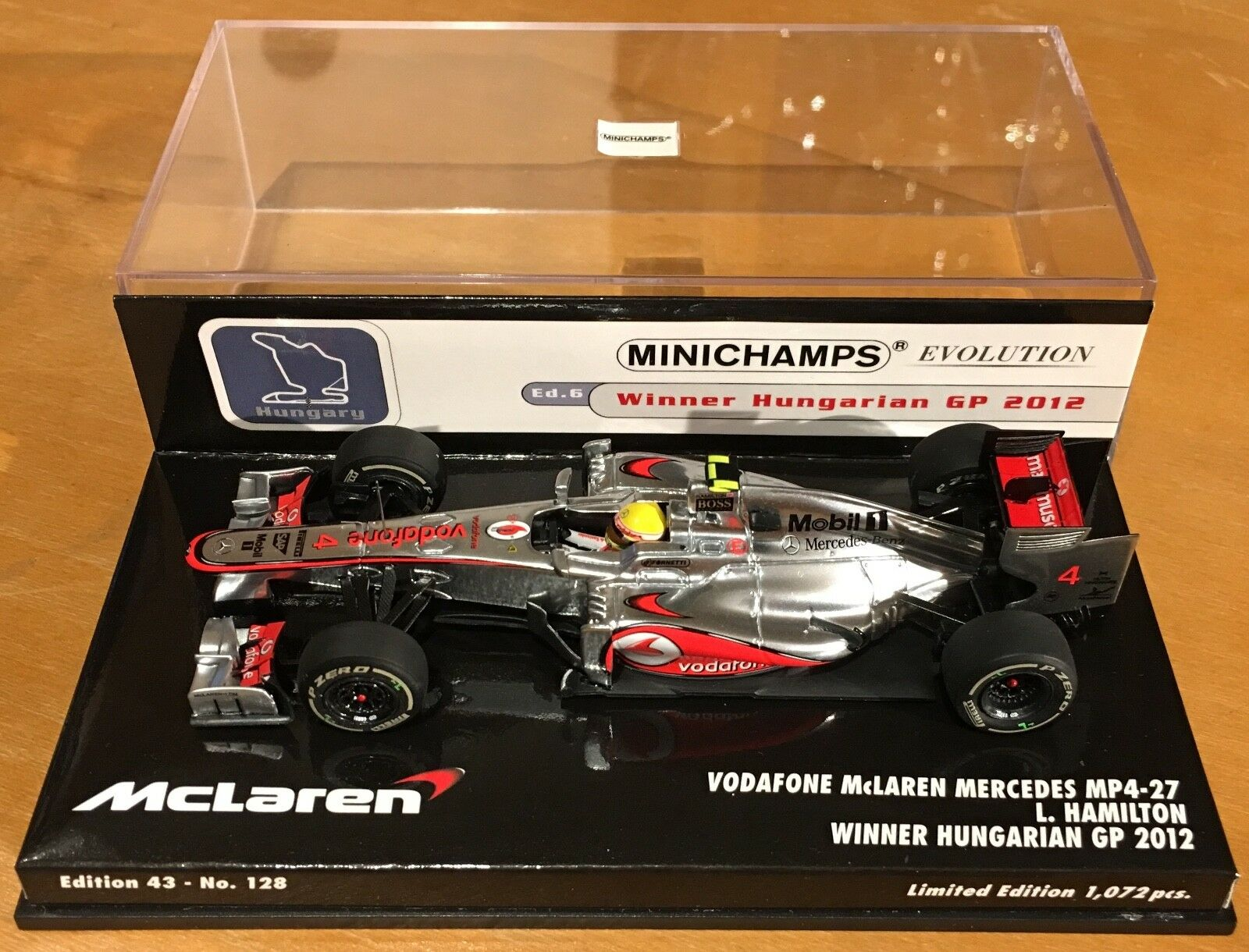Minichamps 1 43 Vodaphone McLaren Mercedes MP4-27 Hamilton - 2012 Hungary Win