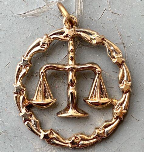 VINTAGE LIBRA CHARM PENDANT BALANCE GOLD TONE METAL ASTROLOGY JEWELRY NOS