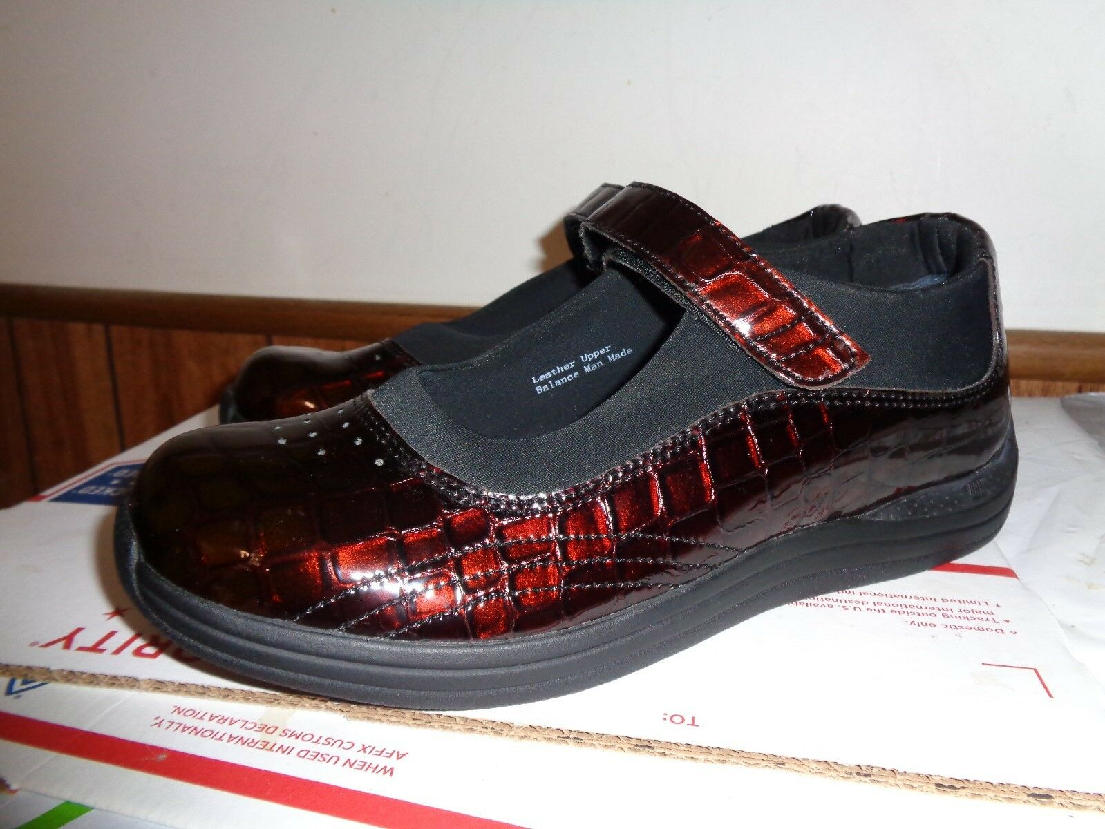 NEW DREW Women's Orthopaedic Cordovan  Mary Jane shoes Patent Leather 9M
