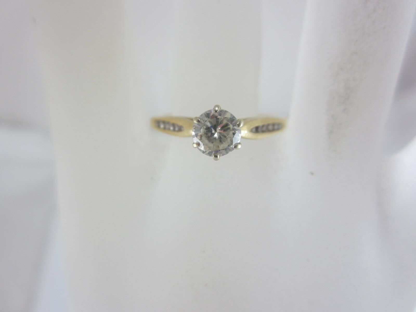 14K YELLOW gold ROUND DIAMOND SOLITAIRE RING WITH ACCENTS 0.56CT SZ 7.5 2.3G