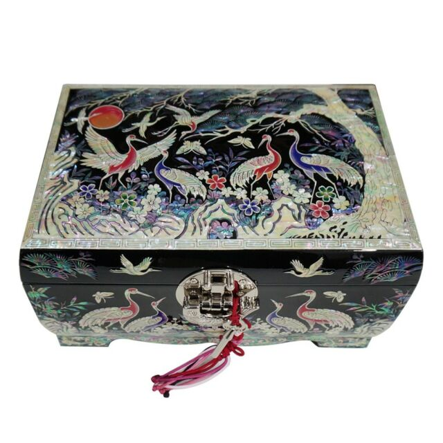 Mother of Pearl Black Lacquer Wooden Decorative Lock Jewelry Treasure Chest Box