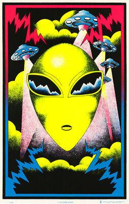 "ALIEN BLACKLIGHT POSTER 23/""X35/"" FLOCKED SPACE VISITOR"