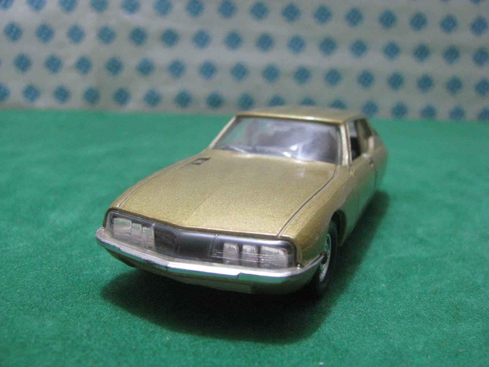 Vintage  -  CITROEN SM  - 1 43  Solido 184  serie 100