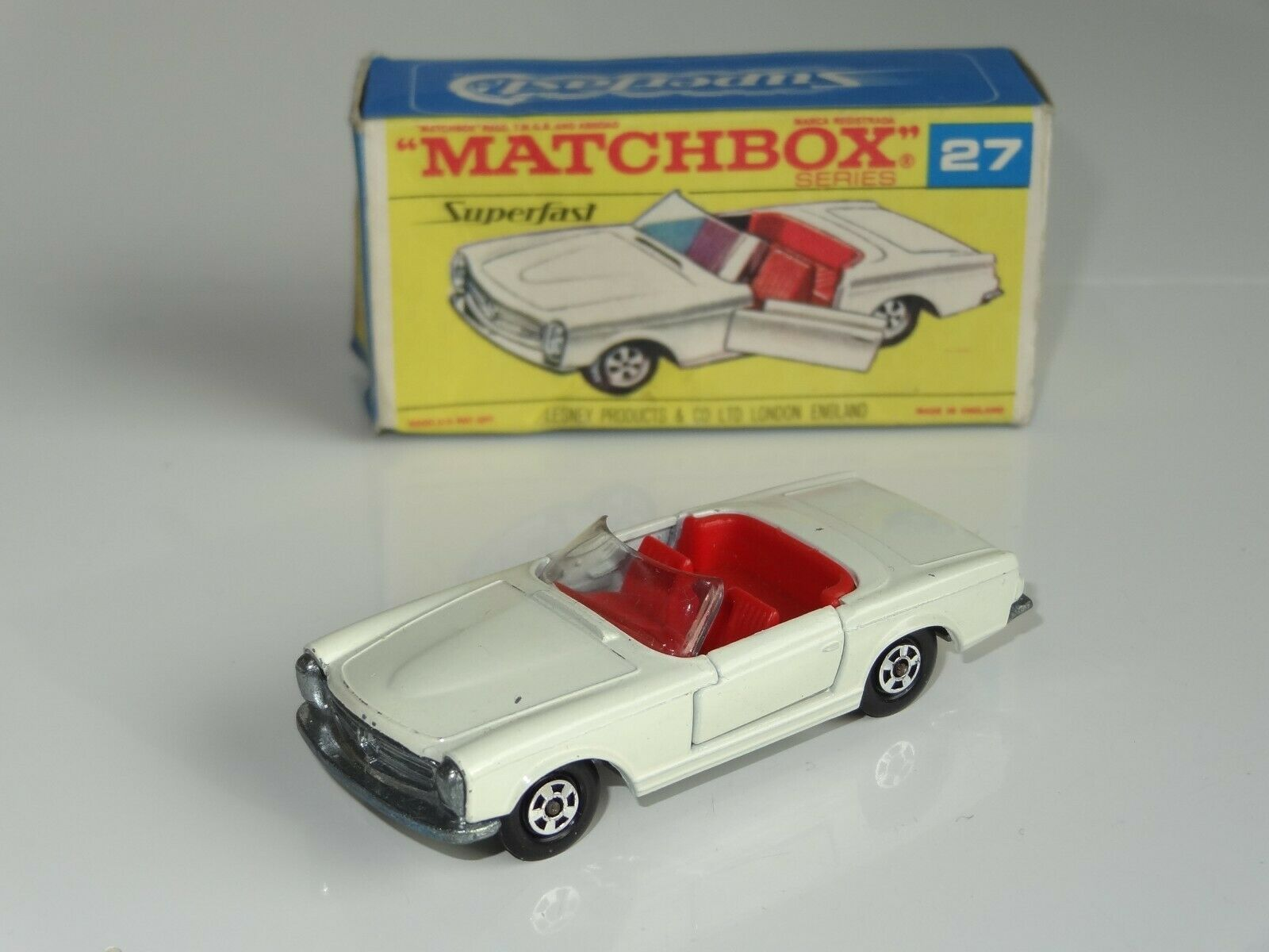 (B) Matchbox Lesney Superfast MERCEDES 230 SL - 27 RARE F box
