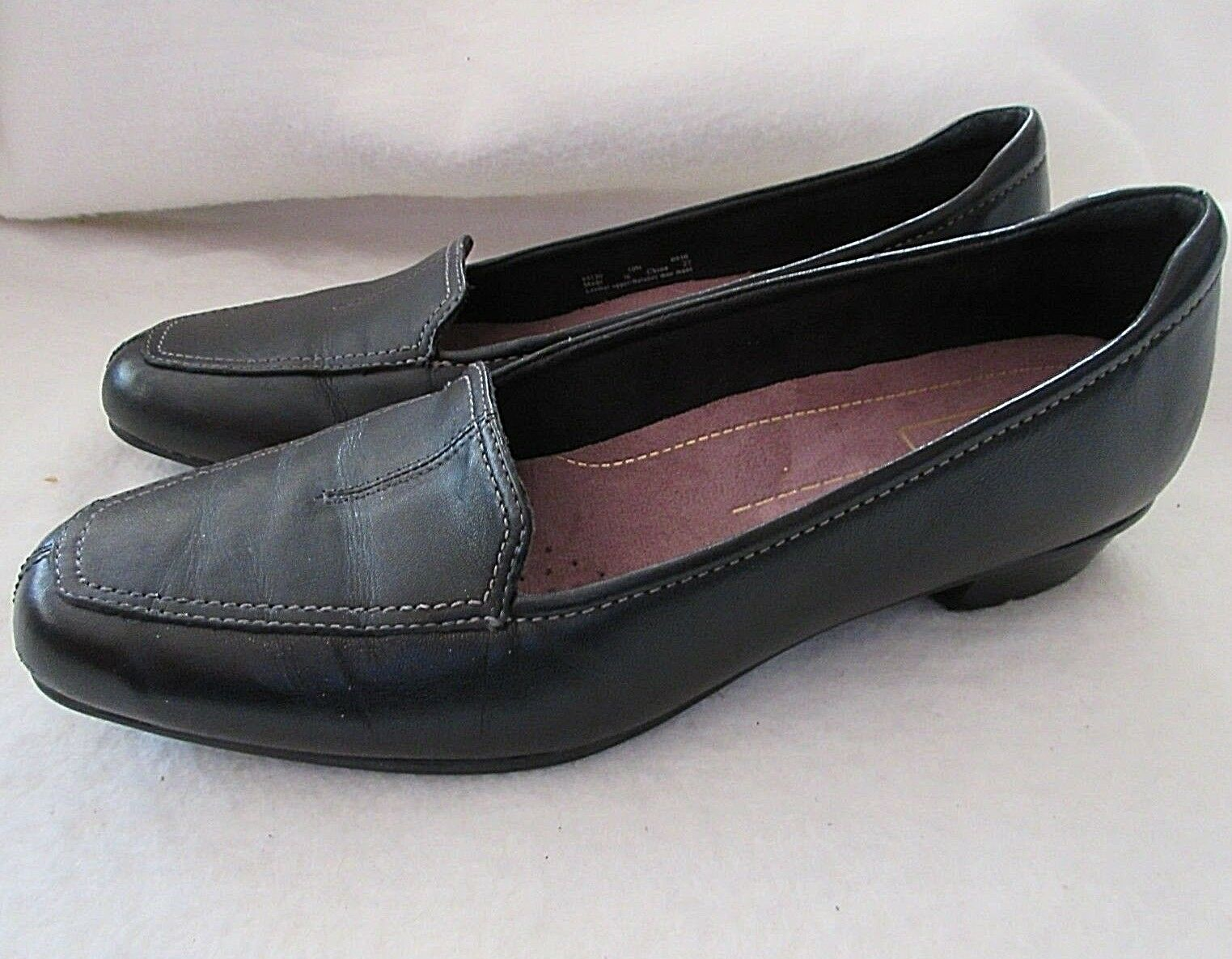 CLARKS Everyday Timeless  Women's 10 N (NARROW) Black Leather Loafers shoes