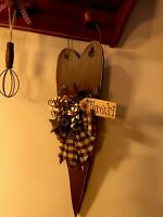Primitive Wood Heart/decorative Wall Hanging Rustic Stars And Berries Family