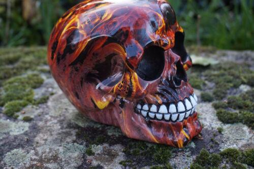 SK303 TETE MORT CRANE FLAMME FEUX MARBRE   HEROIC FANTASY GOTHIQUE SKULL RESINE