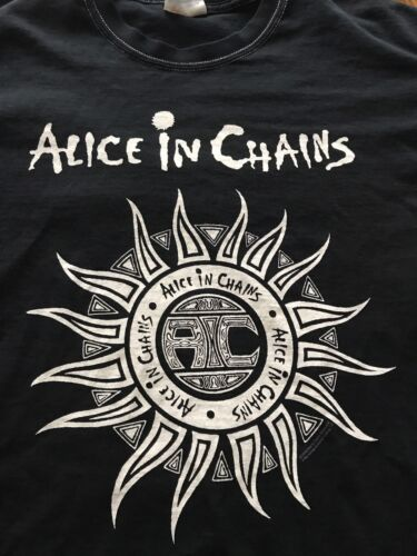 Alice In Chains Graphic T-shirt Size M