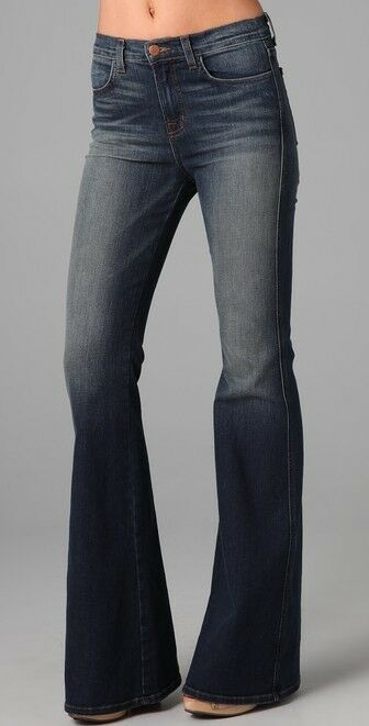 J Brand High Rise Flare Jeans in lotus, size 25