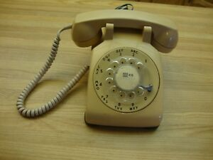 VINTAGE-1960-NORTHERN-TELECOM-ROTARY-TELEPHONE-MADE-IN-CANADA