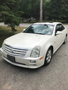 2005 White Cadillac STS