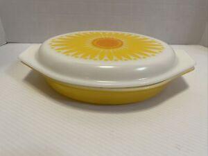 Vintage Pyrex Sunflower Daisy Divided Casserole Dish with Lid 1.5 Quart - EUC