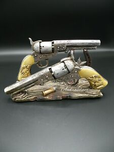 Western-Cowboy-Colt-Pistols-Mail-Letter-Holder-Hand-Painted-New