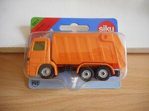 Siku-Mercedes-Refuse-Truck-in-Orange-on-Blister