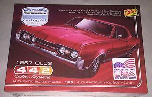Lindberg-1967-Oldsmobile-442-1-25-scale-plastic-model-car-kit-new-127