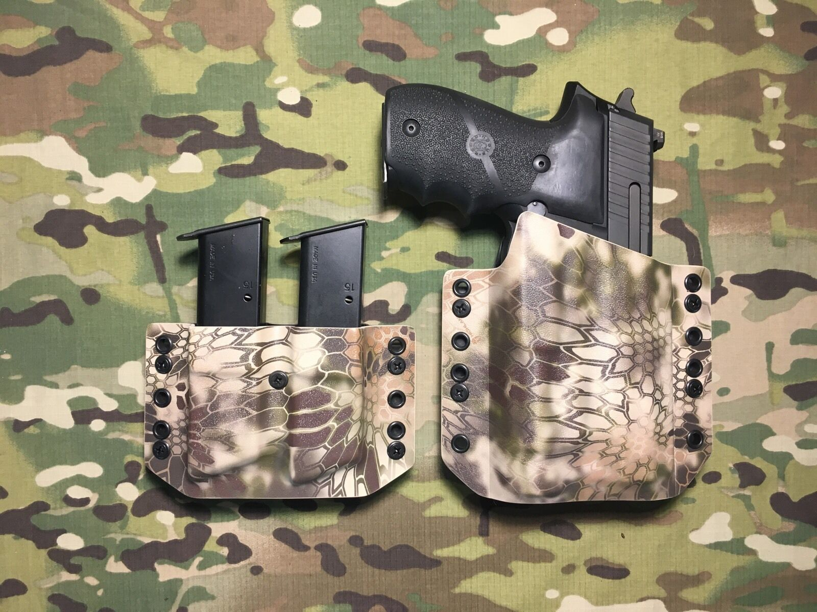 Kryptek Highlander Kydex Holster SIG P226 Streamlight Streamlight P226 TLR-1 w/Dual Mag Carrier c9a2a8