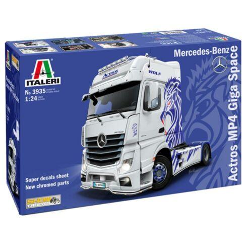 ITALERI 3935 Mercedes Benz Actros MP4 Giga Space Show Truck 1:24 Model Kit