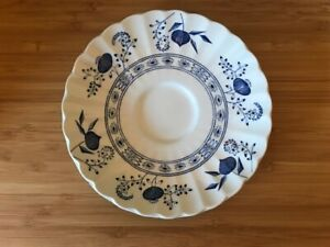 J-amp-G-Meakin-Classic-Series-Blue-Nordic-Saucer-Plate-with-Gift-Aesop-Soap-Vintage