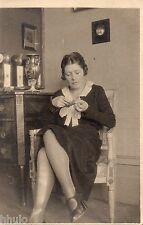 BD998 Carte Photo vintage card RPPC Femme woman fashion mode lime ongle