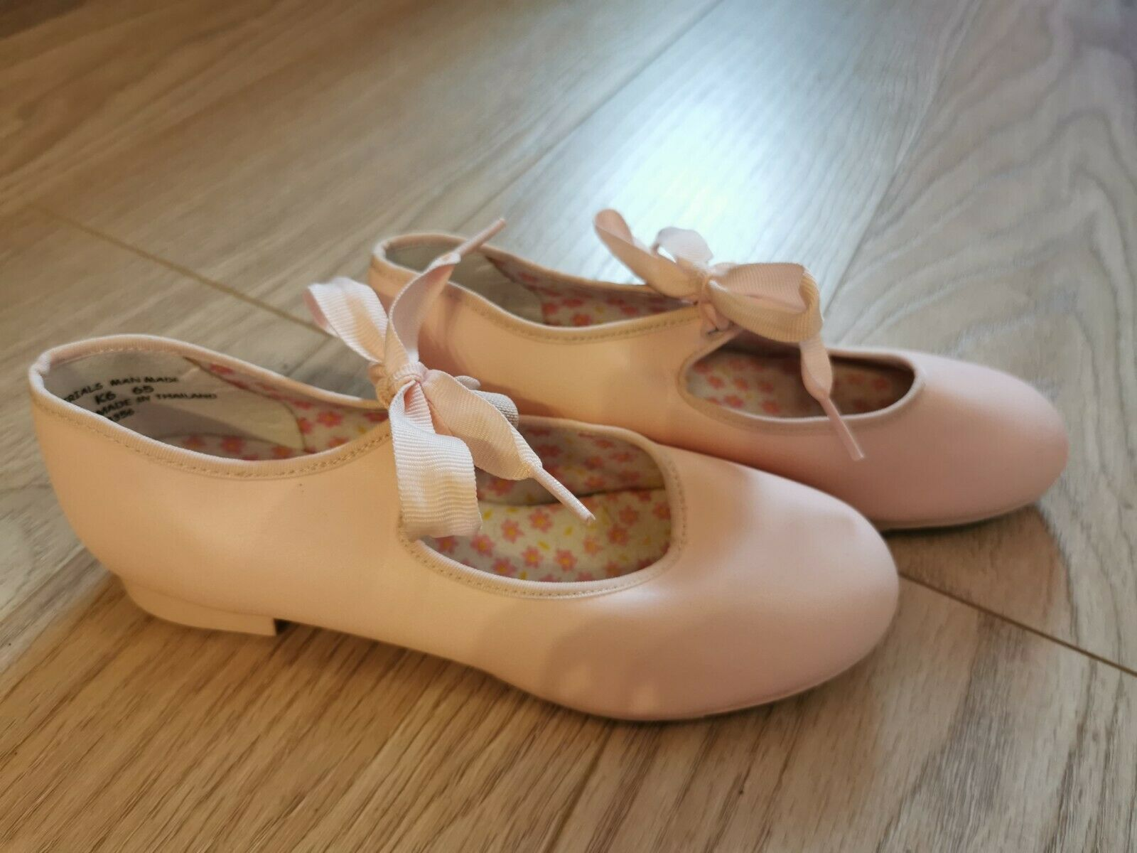 CAPEZIO pink Tap Dancing Shoes (Tappers And Pointers) Size 3