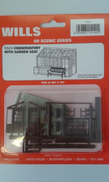Wills SS24 Conservatory with garden seat /& water butt