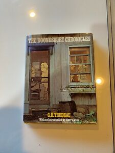 The Doonesbury Chronicles, Gary Trudeau, 1975 9x 11, 100's pages of comics