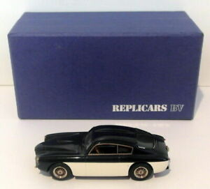 Replicars-1-43-Scale-REP106-Alfa-Romeo-1900-SSZ-Dark-Blue-White