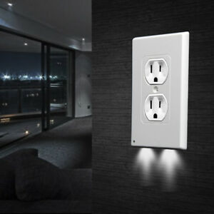 Power-Wall-Outlet-Cover-Plate-2-LED-Night-Light-Hallway-Bathroom-On-Off-Switch