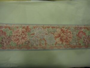 10m Vintage Crown Wallpaper Border Pink Purple Floral Pattern No