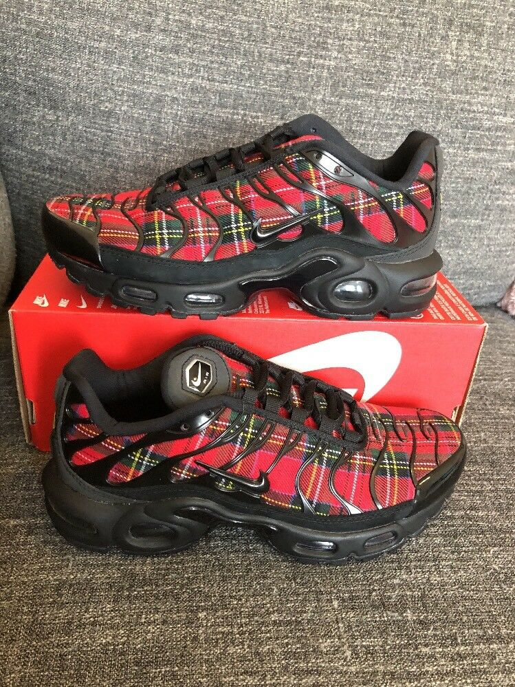 Nike Air Max Plus TN SE Black Black-University Red AV9955-001 Sz 5.5