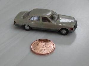 Modellauto-von-Wiking-Berlin-W-Mercedes-500-SE-beige