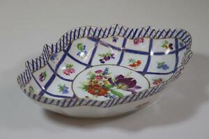 Schale-Zierschale-Porzellan-Blumendekor-RK434