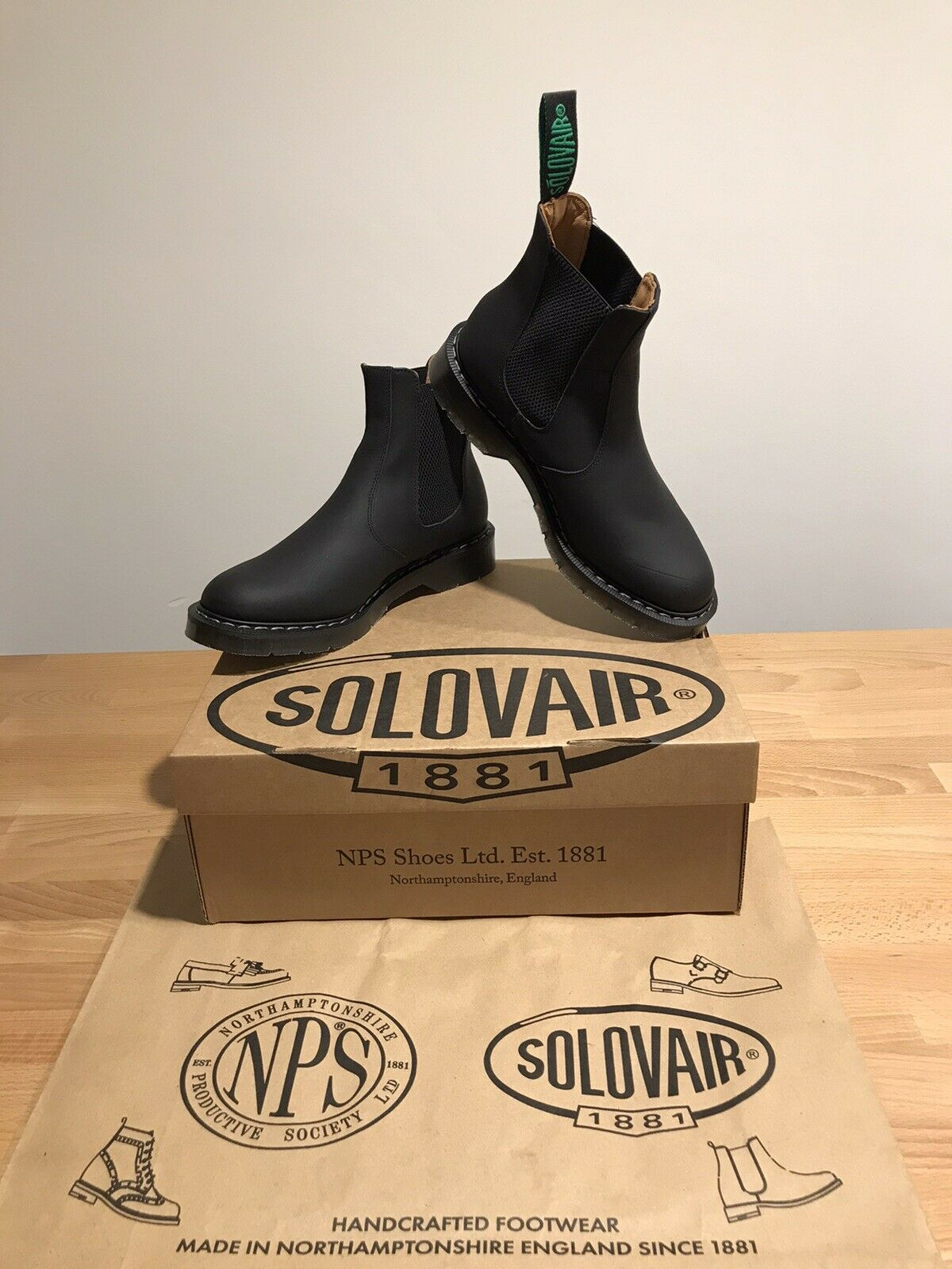 NPS SOLOVAIR Black Greasy Leather Dealer Chelsea Boot! SizeUK6!New! Only !