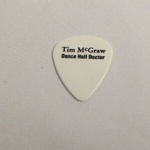Tim-McGraw-Dance-Hall-Doctor-Bob-Minner-Signature-White-Tour-Guitar-Pick