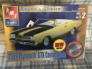 2002-discontinued-AMT-31231-1969-Plymouth-GTX-Convertible-buyers-choice-1-25
