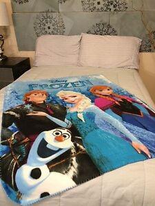 Disney Frozen Fleece Blanket Throw NEW Anna Kristoff Elsa Olaf