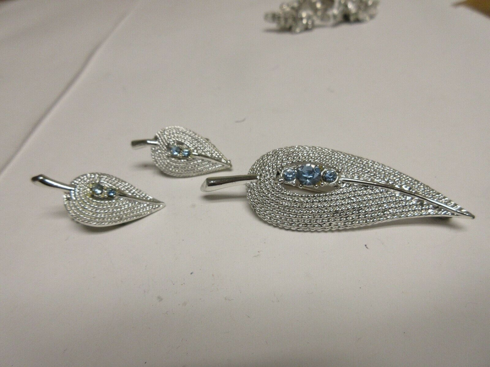 Costume Jewelry ,Vintage , Pin , Earrings , Leaf Design
