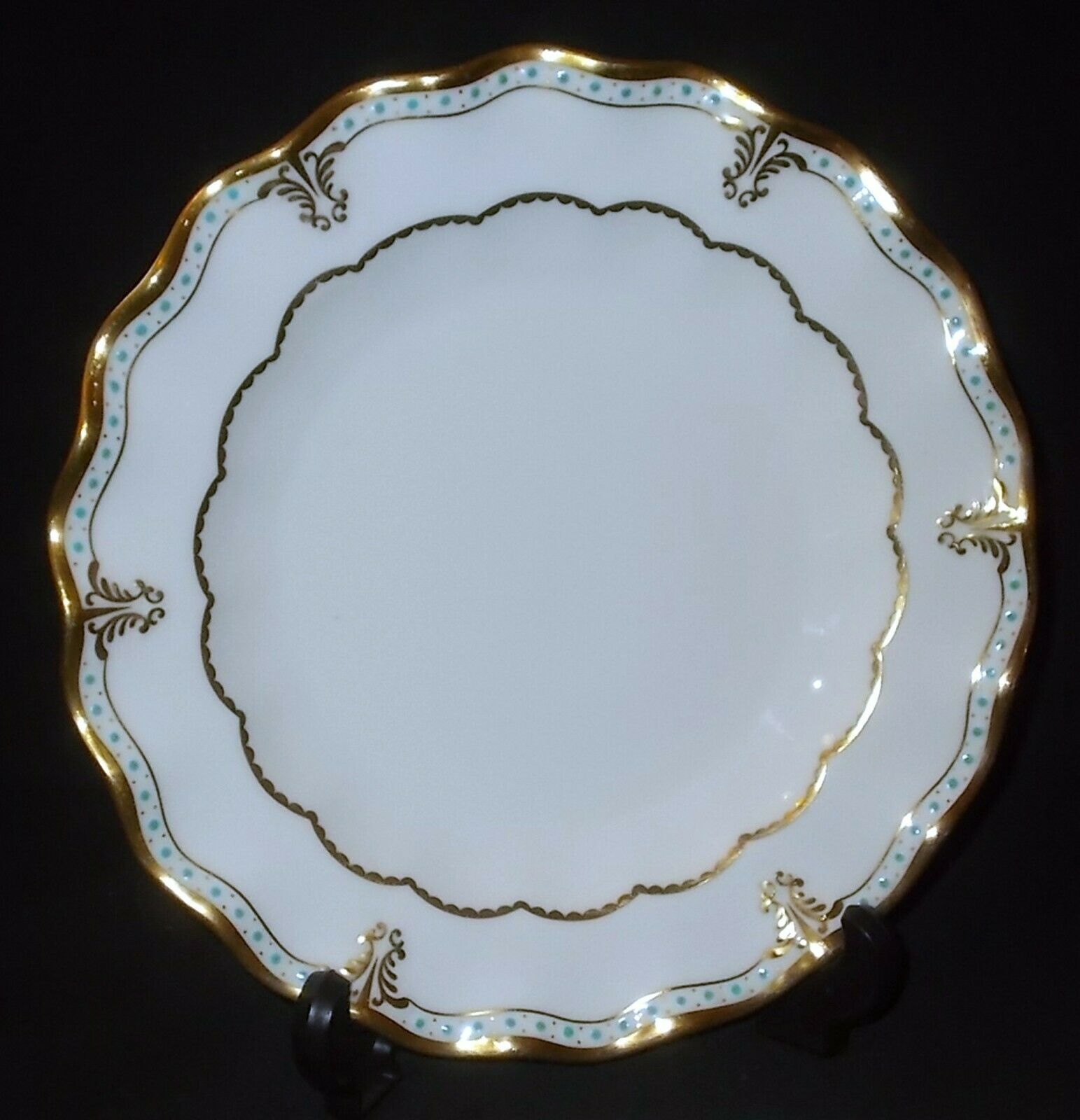 Image 01 - Royal Crown Derby LOMBARDY Dessert Plate